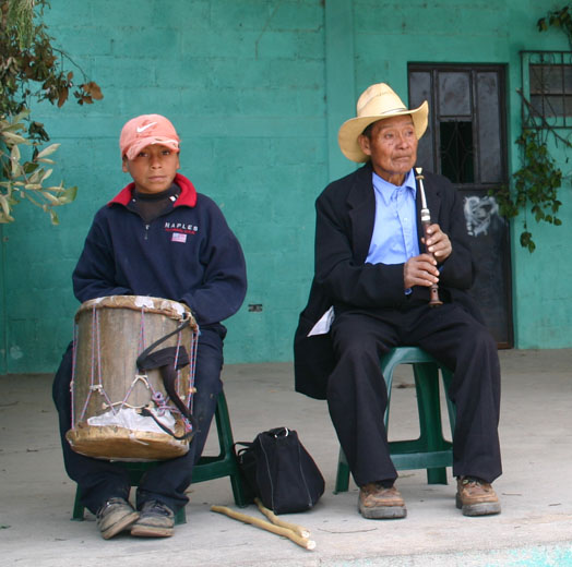 Musicians play the Chirimía and Tambor